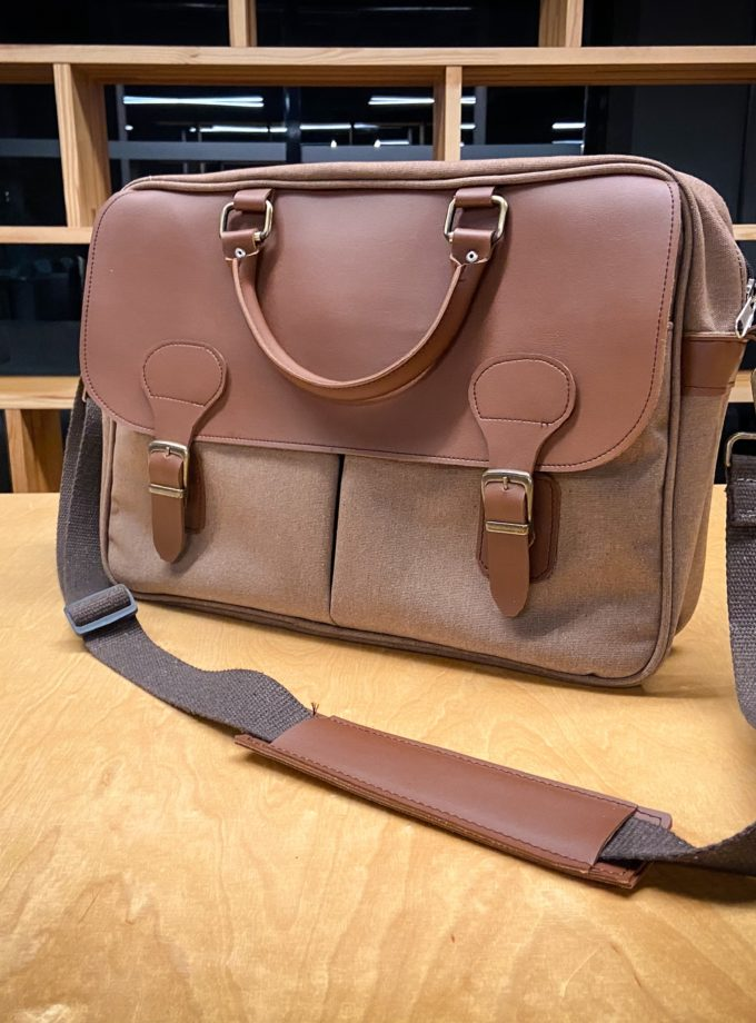 Swenna Brief Messenger